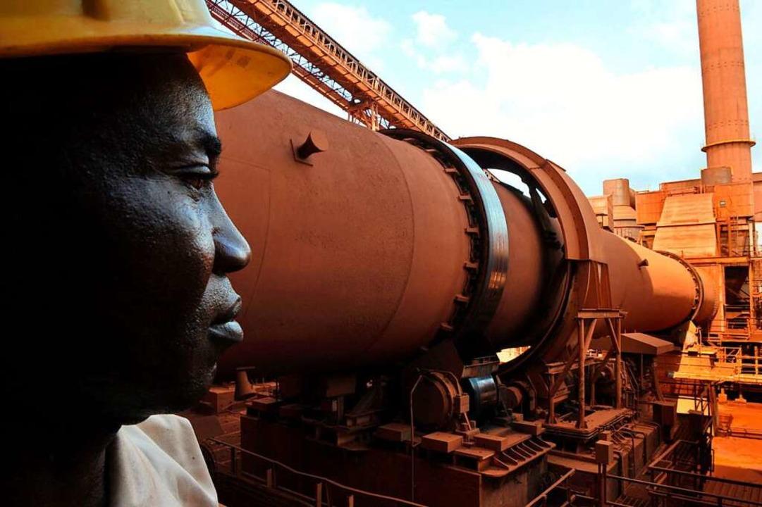 Techniker in einer Bauxit-Fabrik in Guinea (Foto von 2008)  | Foto: GEORGES GOBET (AFP)