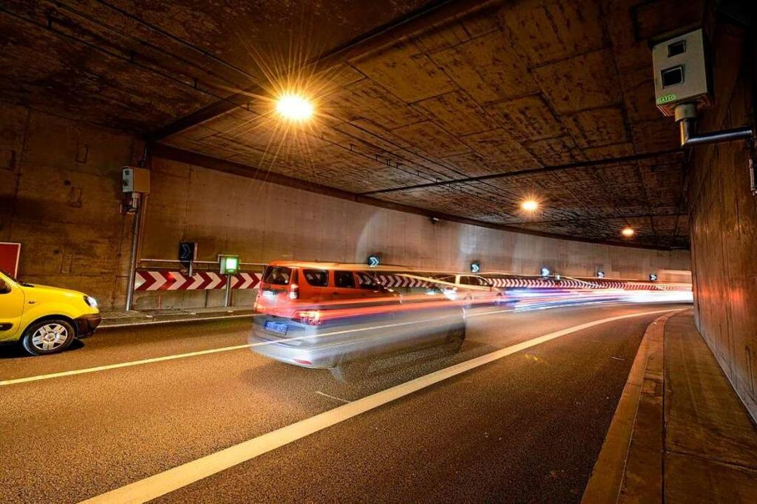 Der Brandschutz für Kappler Tunnel und... für die vielen Staus nicht ausgelegt.  | Foto: Thomas Kunz