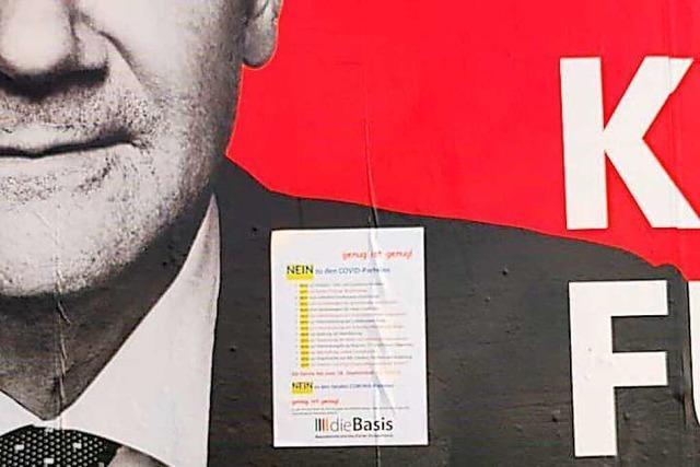 Staatsschutz ermittelt wegen beklebter Wahlplakate