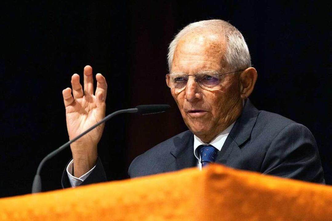 Wolfgang Schäuble beim Wahlkampf in Offenburg  | Foto: Philipp von Ditfurth (dpa)