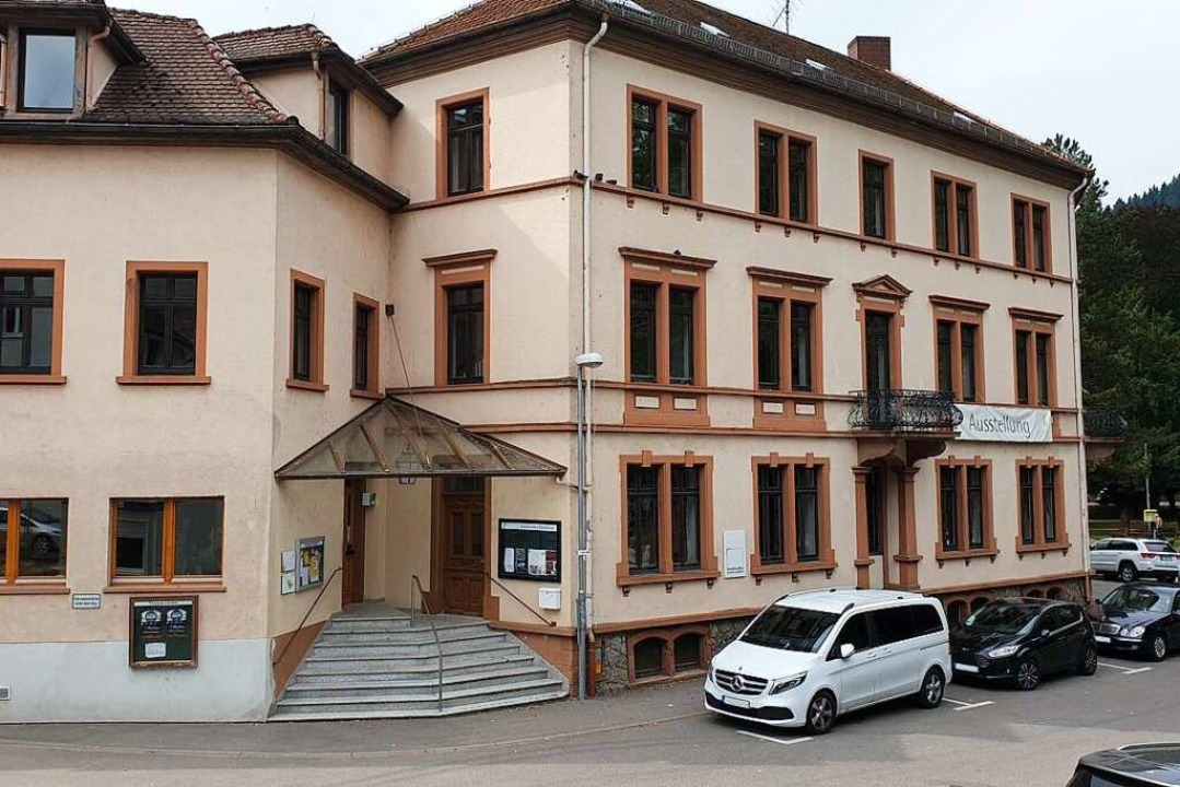 Das Bürgerhaus in Waldkirch muss abger...aus oder durch Wohnungen ersetzt wird.  | Foto: Theresa Steudel
