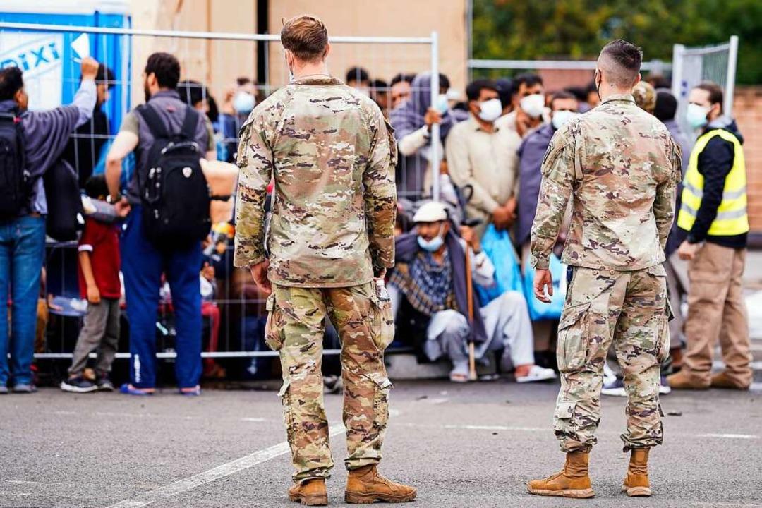 Die USA nutzen die US-Luftwaffenbasis ...e Evakuierungsmission aus Afghanistan.  | Foto: Uwe Anspach (dpa)