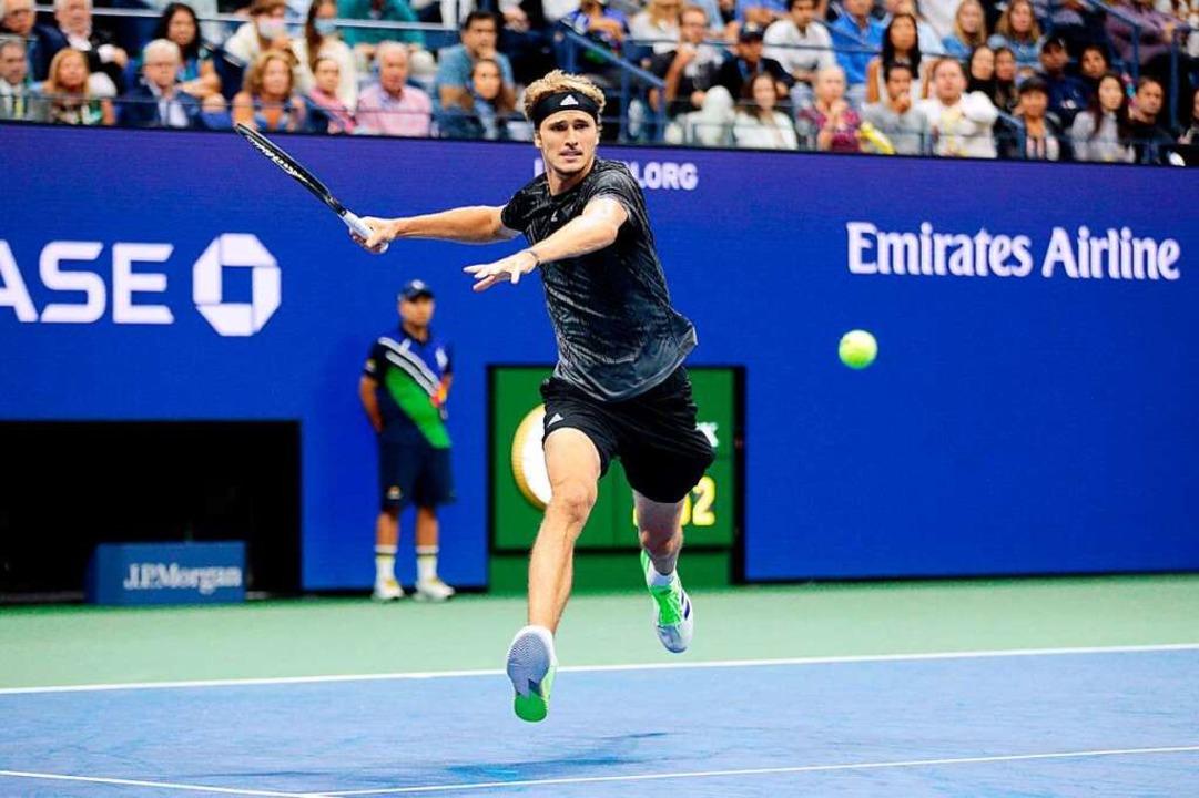 Alexander Zverev zeigt erneut überragendes Tennis.  | Foto: KENA BETANCUR (AFP)