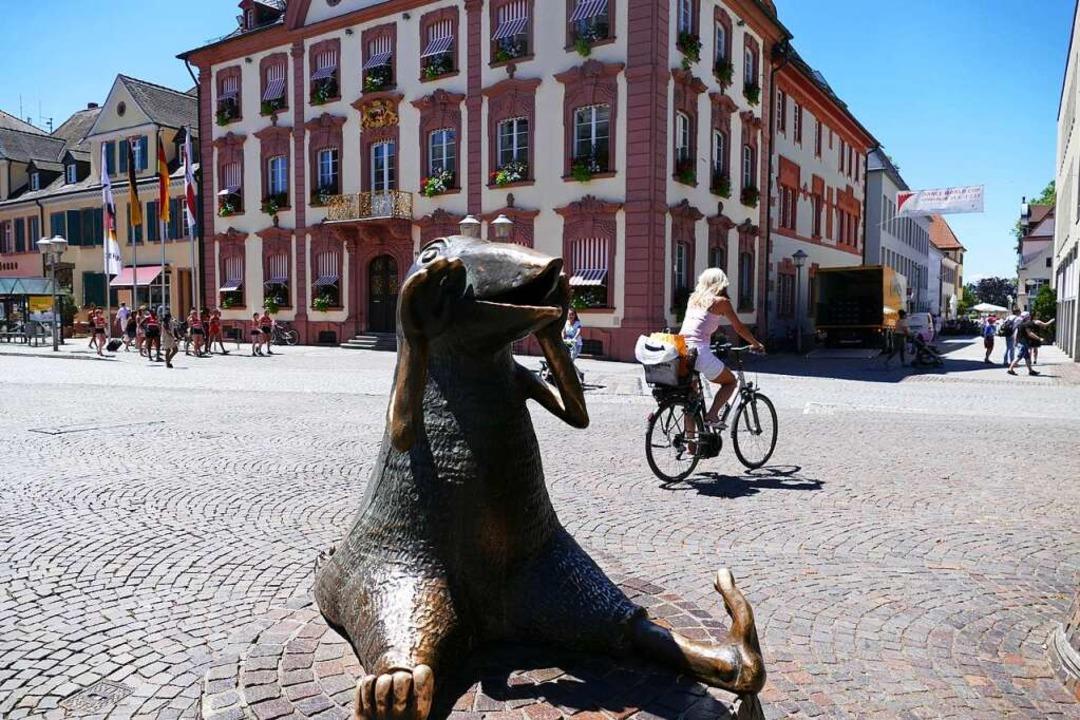 Der Rathausplatz in Offenburg    Foto: Ralf Burgmaier