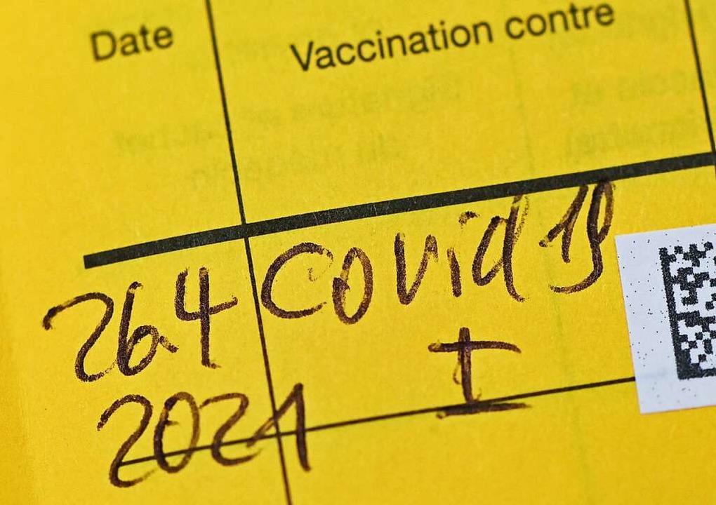Kein Eintrag der Schutzimpfung gegen C...en ab Herbst einige Beschränkungen zu.    Foto: Patrick Pleul (dpa)