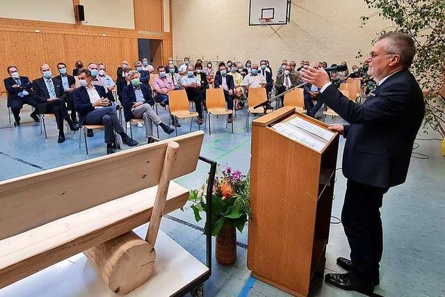 Utzenfelds Alt-Bürgermeister feiert seinen Abschied vor 100 Gästen