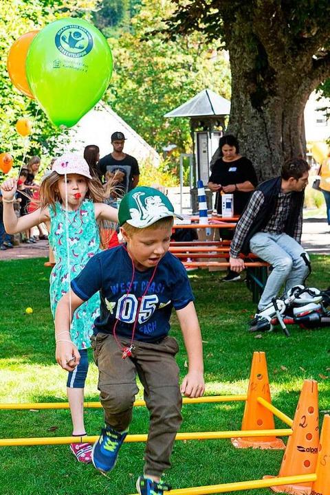 Spaß für die Jüngsten beim Flohmarkt im Lenzkircher Kurpark  | Foto: Wolfgang Scheu