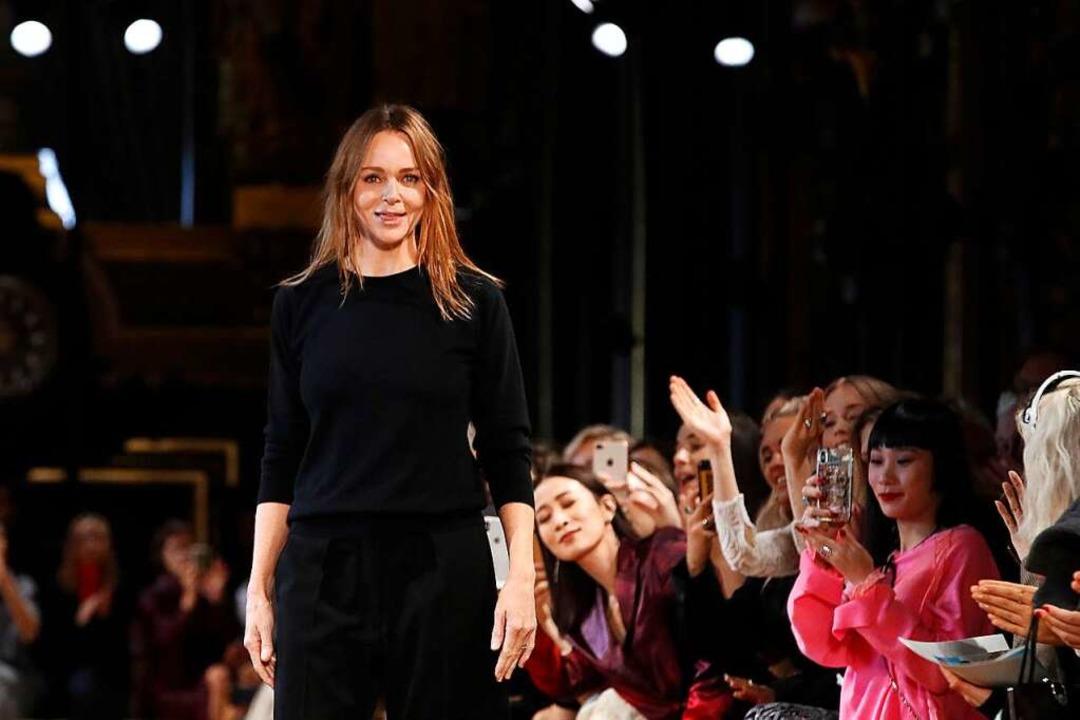 Stella McCartney hat sich in der Modebranche durchgesetzt.  | Foto: Christophe Ena (dpa)