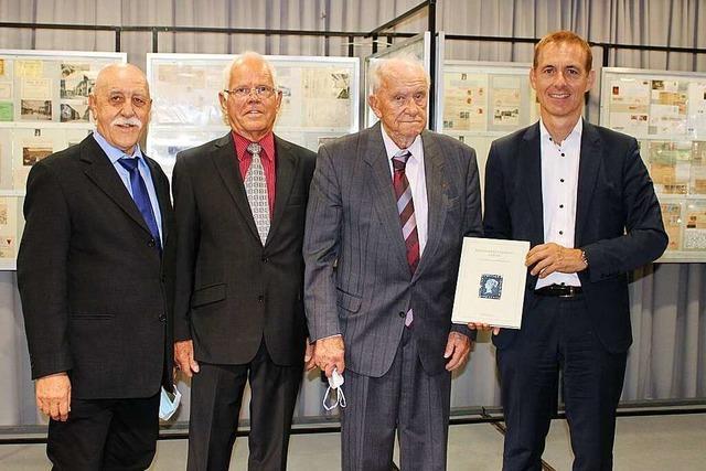 Lörrachs Briefmarkensammler feiern ihr Hobby im Dreiländermuseum