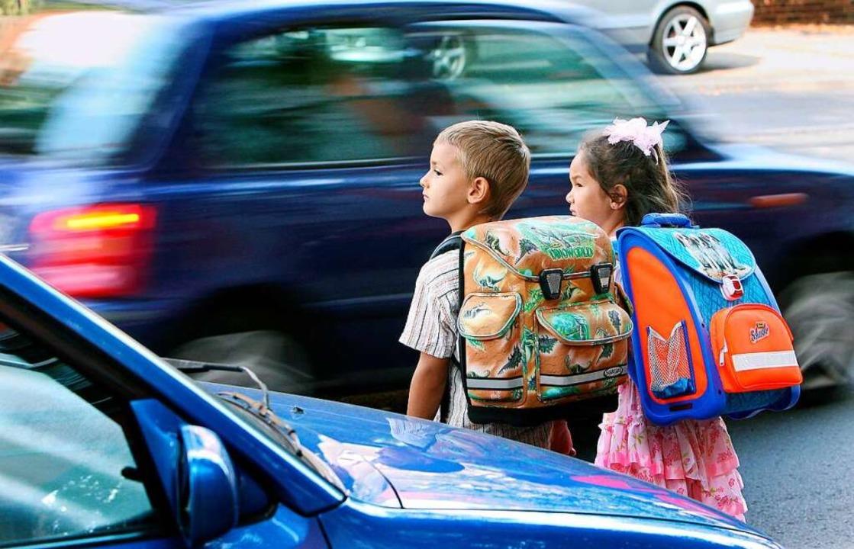 Die Polizei bittet Eltern Schulkinder ...en  des Schulwegs zu sensibilisieren.   | Foto: Patrick Pleul