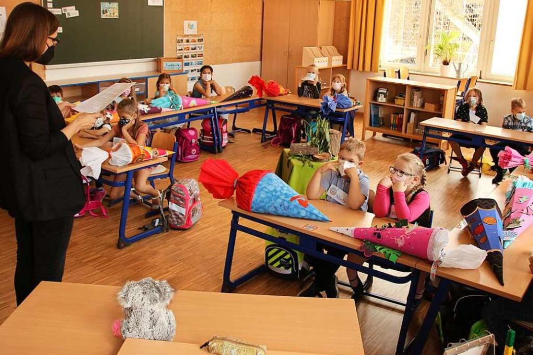 Die Erstklässler im neuen Klassenzimmer    Foto: Mario Schöneberg