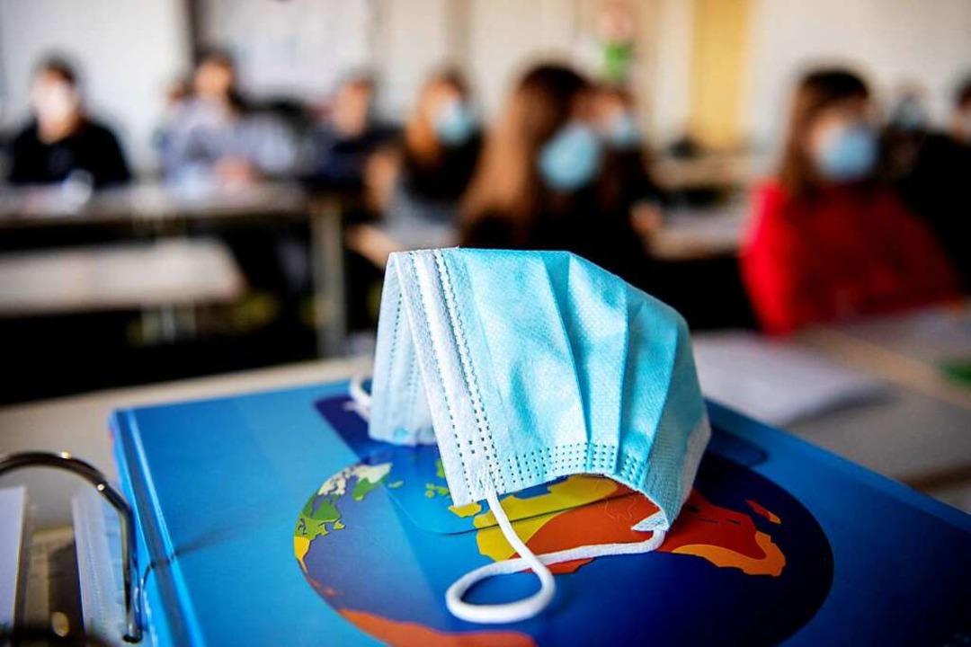 Für die Schülerinnen und Schüler beste...ronavirus zunächst eine Maskenpflicht.  | Foto: Matthias Balk