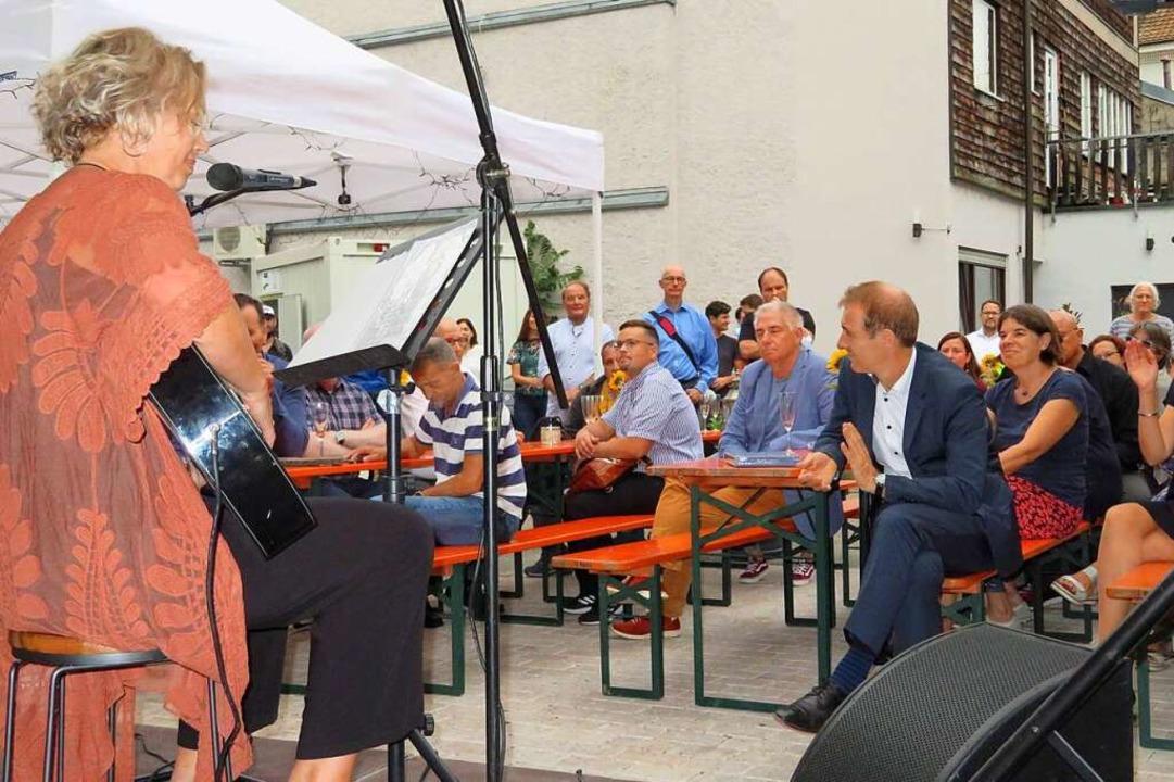 Bei der Eröffnungsfeier spielte mehrma... hier am Freitag vor geladenen Gästen.  | Foto: Peter Gerigk