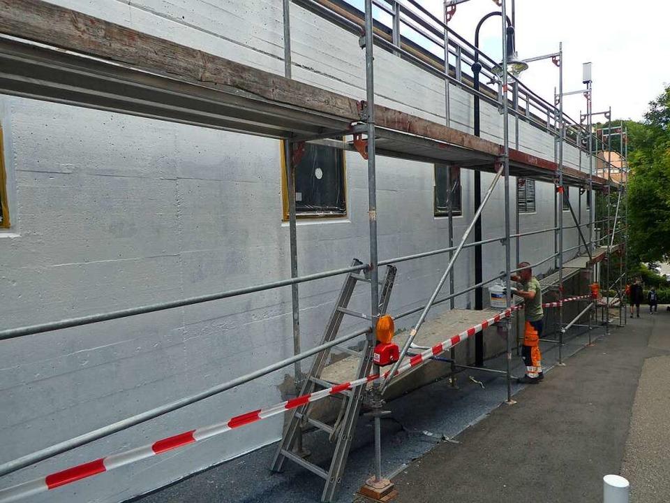 Die Mauer am Kirchweg wird vorbereitet.  | Foto: Peter Stellmach