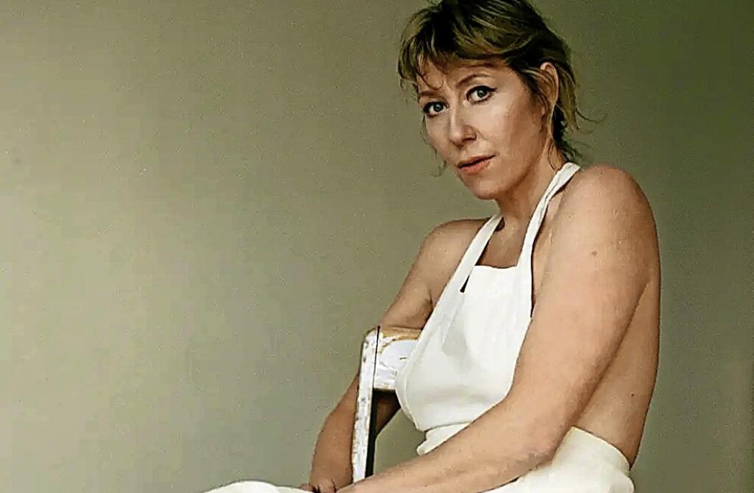 Eine starke Frau, die tiefe Verletzungen in starke Bilder packt  | Foto: Gaelle Leroyer
