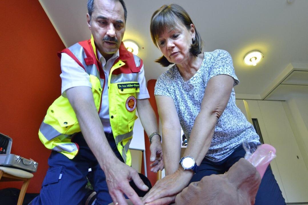 Reanimation mit Herzdruckmassage    Foto: Michael Bamberger