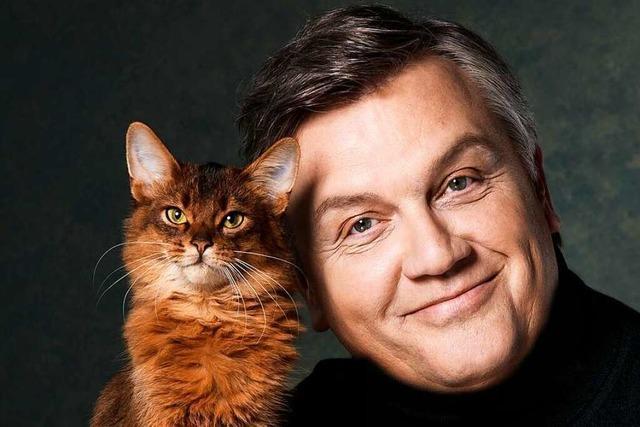 Zicke und Zuhörer: Hape Kerkeling schreibt über die Liebe zu Katzen