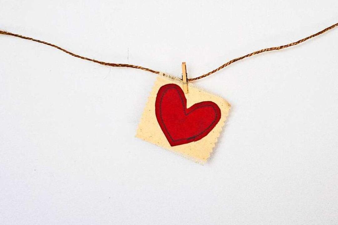 Das Herz ist ein Symbol für die Liebe.    Foto: Debby Hudson/Unsplash.com