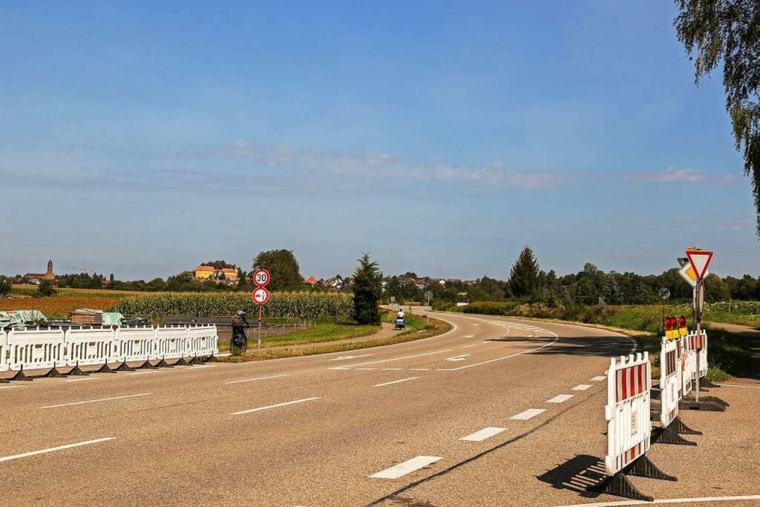 Die leere Bundesstraße    Foto: Sandra Decoux-Kone