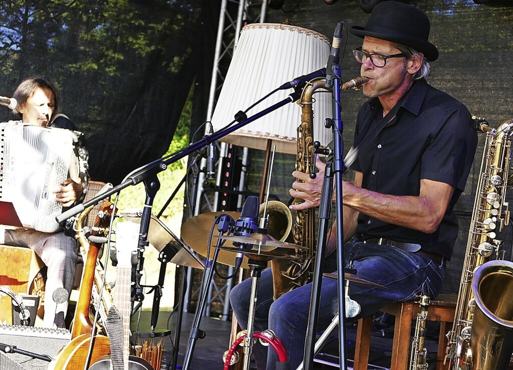 Während am Freitag und Samstag  Rockmu... am Sonntag die Band Southern Breeze.     Foto: Frank Kreutner