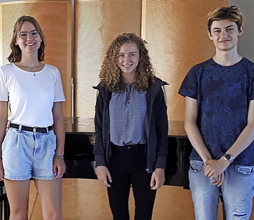 Die Solistinnen und der Solist der bei...a Dorn, Rebecca May und Tobias Thoma.   | Foto: Juliana Eiland-Jung