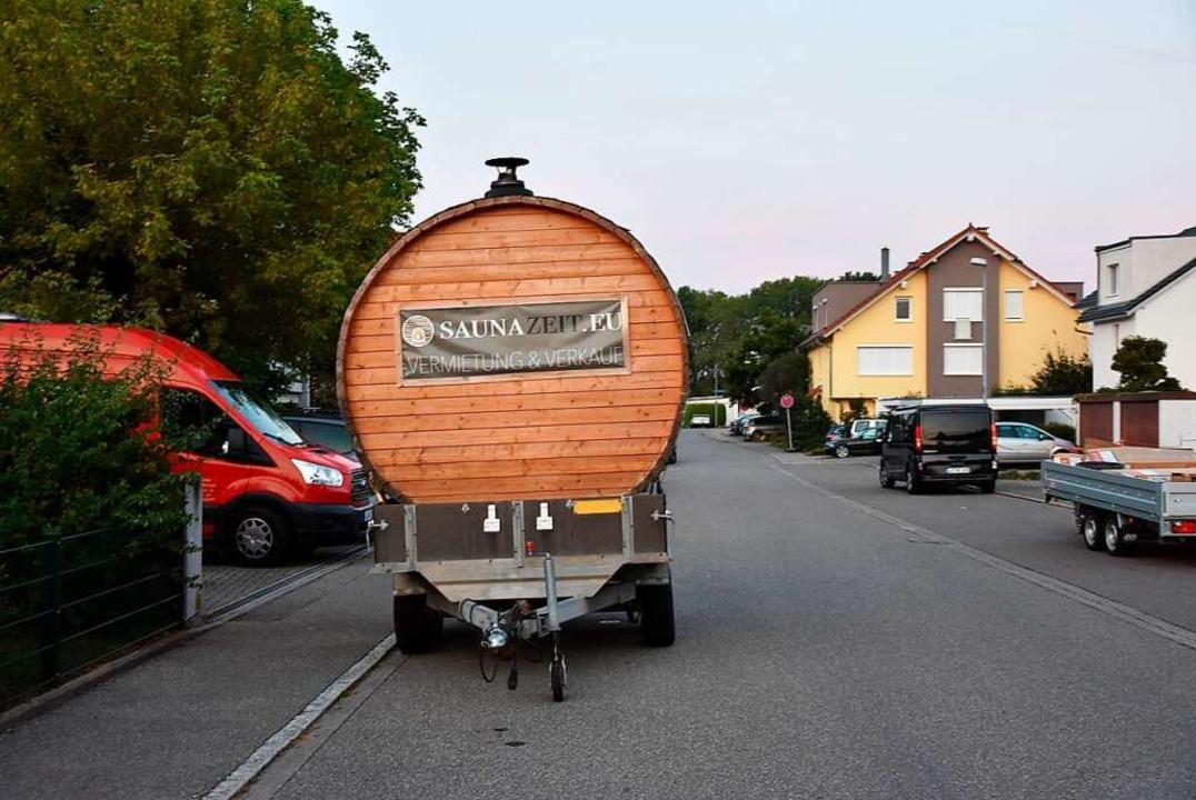 Das  in der Eggbergstraße abgestellte Sauna-Fass.    Foto: Heinz und Monika Vollmar