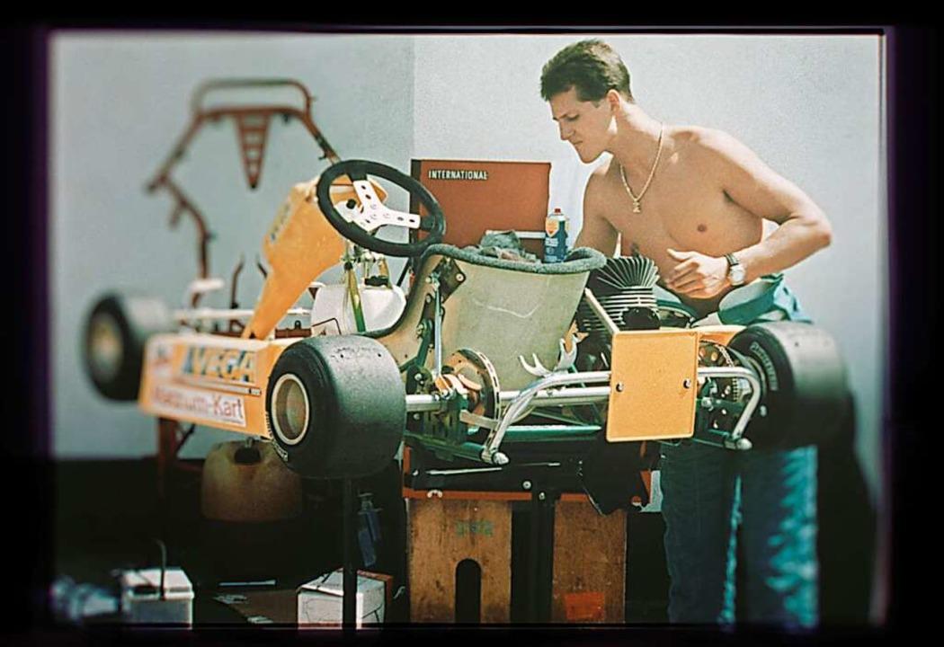 Wie alles begann: der junge Michael Schumacher mit einem Kart (Szenenfoto)  | Foto: Kräling Motorsport Bild GmbH (dpa)