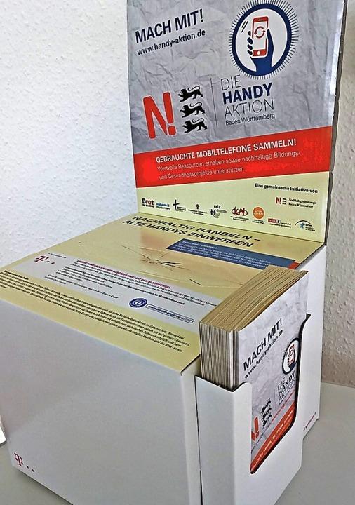 Die Handysammelbox wartet im Stadtbüro auf Futter.  | Foto: privat