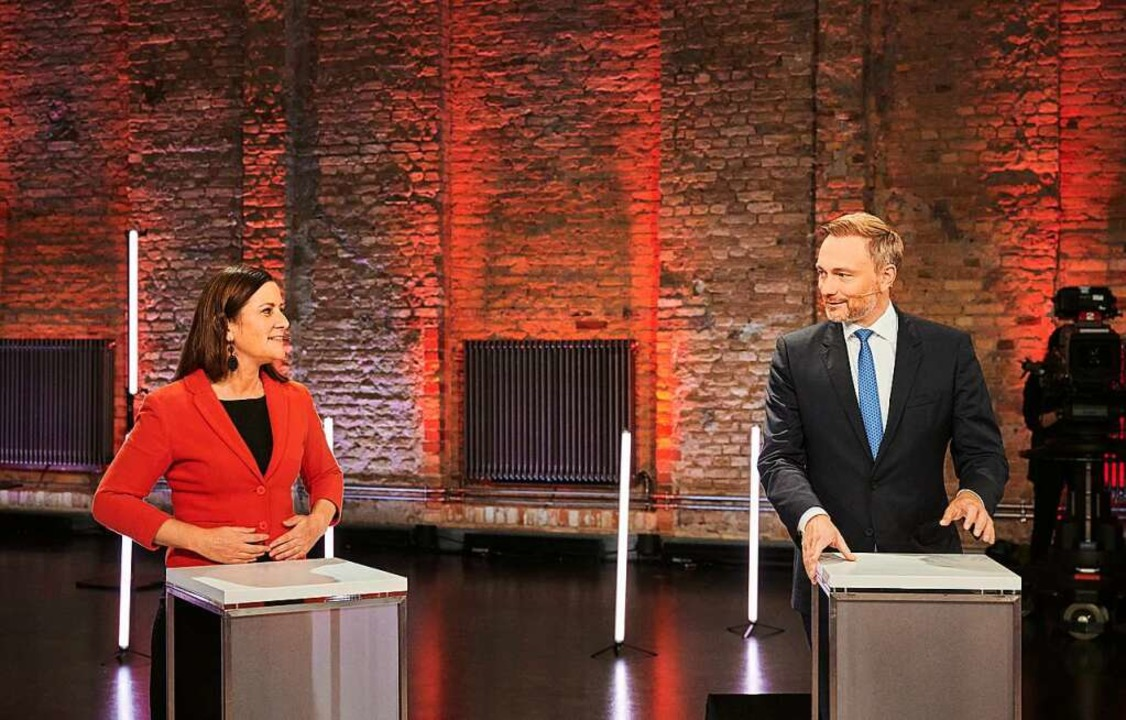 Wer die Wahl hat, hat die Qual: Janine... und Christian Lindner, FDP-Parteichef  | Foto: Annette Riedl (dpa)