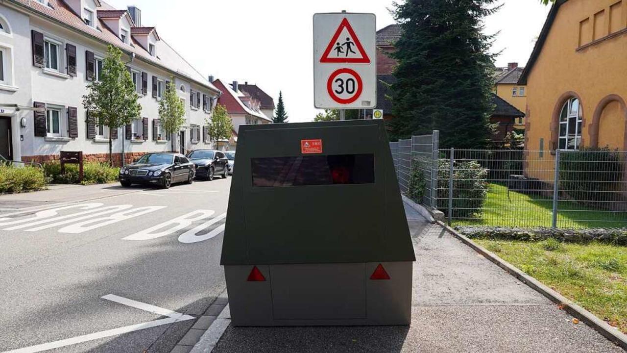 Hier steht der neue Blitzer in der Nähe des Clara-Schumann-Gymnasiums.  | Foto: Stadt Lahr