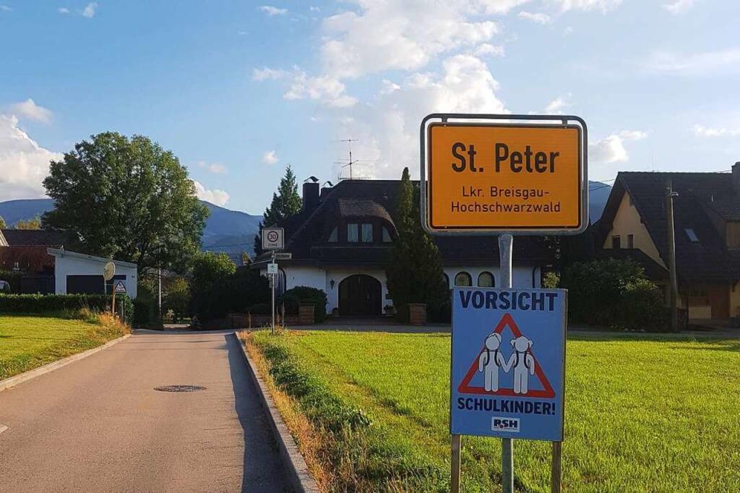Wer nach Zarten hineinfahren wollte, f...g am Montagmorgen in St. Peter wieder.  | Foto: Roman Cenek