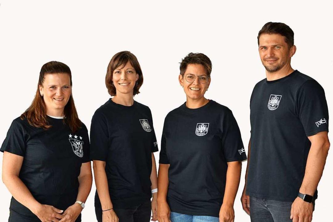 Jugendleiter Axel Asal (von rechts) un...eulin, Lisa Sütterlin und Anja Hassler  | Foto: privat