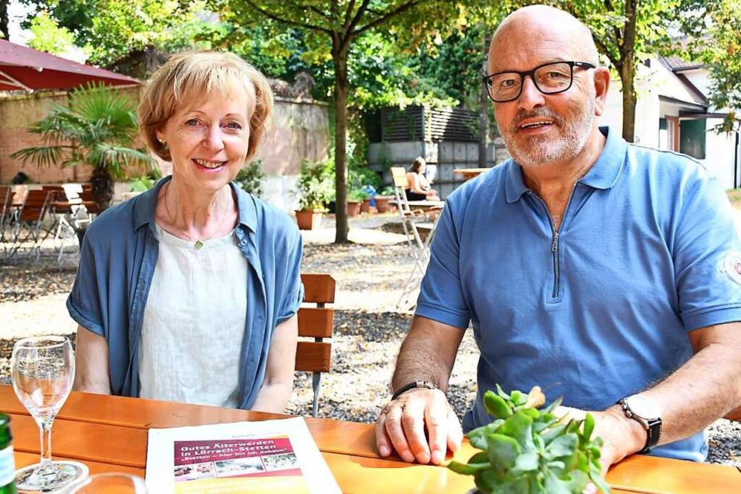 Seniorenbeauftragte Ute Hammler und Ma...derverein Seniorenzentrum St. Fridolin  | Foto: Barbara Ruda
