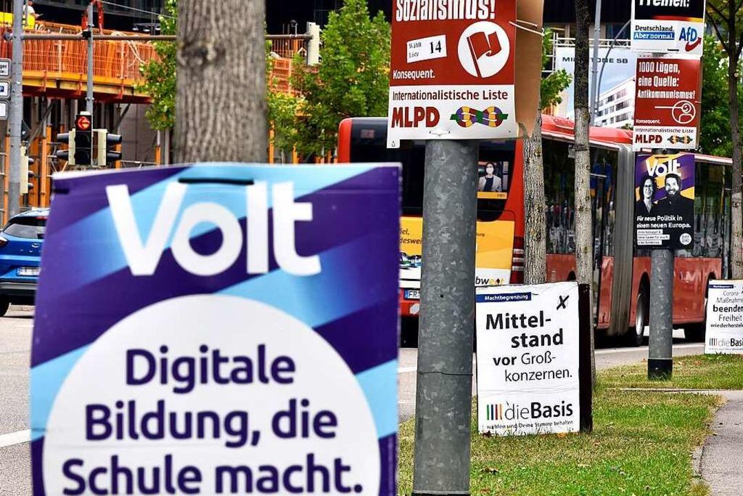 Neben den bereits im Bundestags vertre...Botschaften im Stadtbild sehr präsent.  | Foto: Thomas Kunz