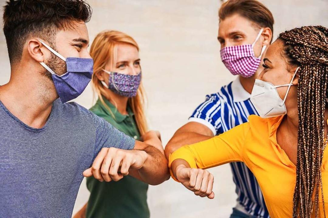 Die Maskenpflicht in bestimmten Bereichen gilt in jedem Fall fort.  | Foto: DisobeyArt (Adobe Stock)