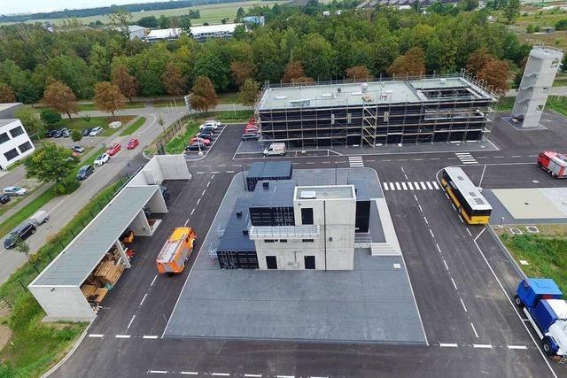 Ausbildungszentrum der Feuerwehr im Gewerbepark Breisgau ist fast fertig