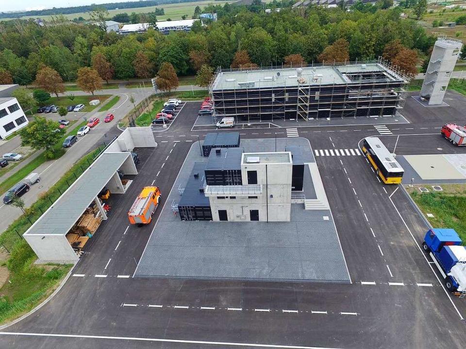 Blick auf das fast fertiggestellte Feu...m im Gewerbepark Breisgau in Eschbach.    Foto: Landratsamt Breisgau-Hohschwarzwald