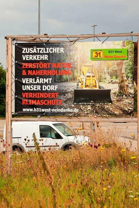 Protestplakat gegen B31 West in Gottenheim    Foto: Mario Schöneberg