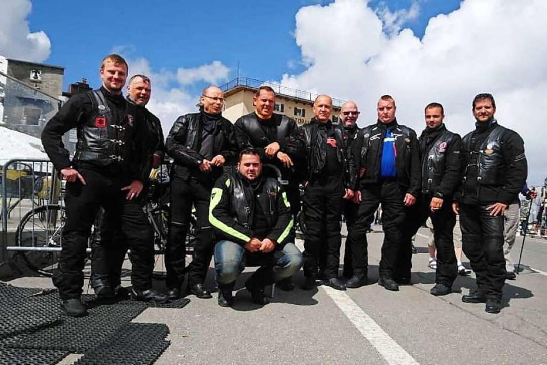 Die Devil Riders am Timmelsjoch. Vorne...nd gibt die Fahrtgeschwindigkeit vor.   | Foto: Stefan Pichler