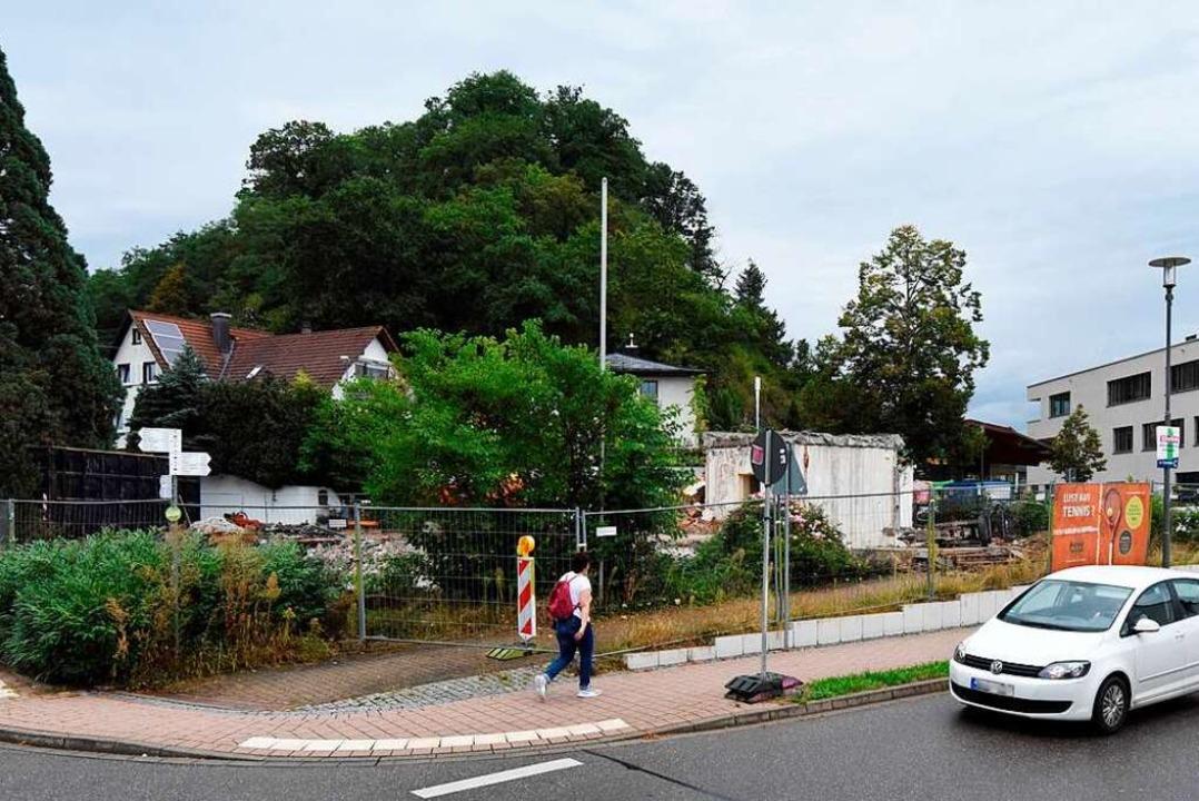 Am Standort des ehemaligen Gebäudes de... Jahren ein Wohnhaus mit Kita stehen.   | Foto: Markus Zimmermann