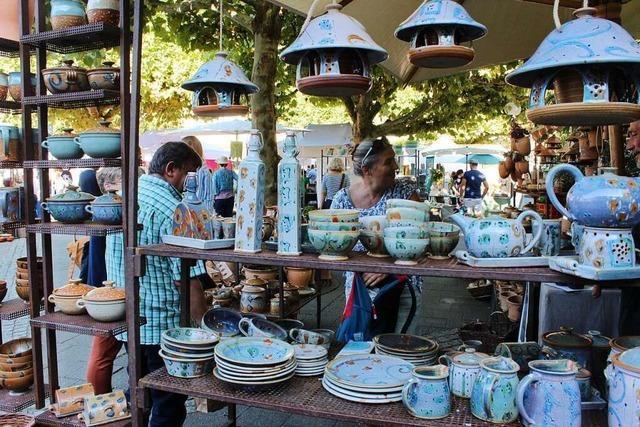 Kanderner Keramikmarkt findet ohne Absperrungen, aber mit Maske statt