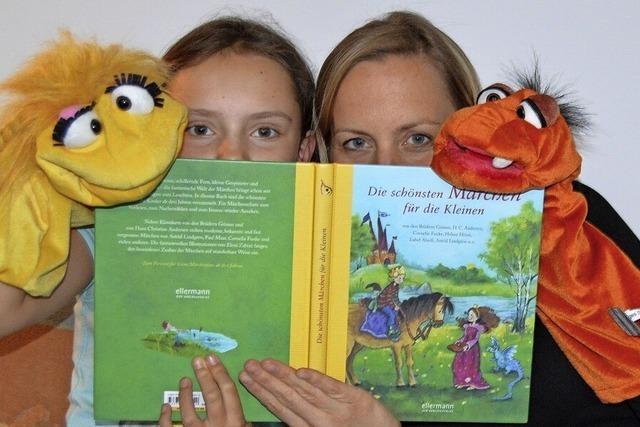 Kinder entdecken Bücher