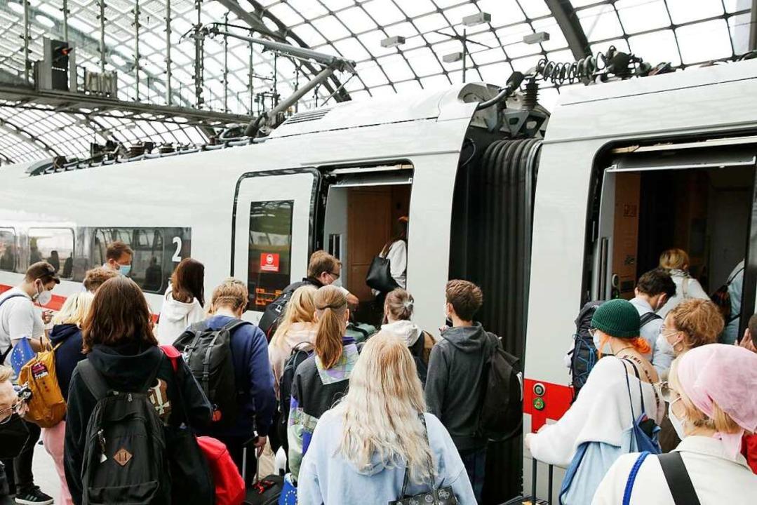Bahnkunden können jetzt aufatmen.  | Foto: Carsten Koall (dpa)