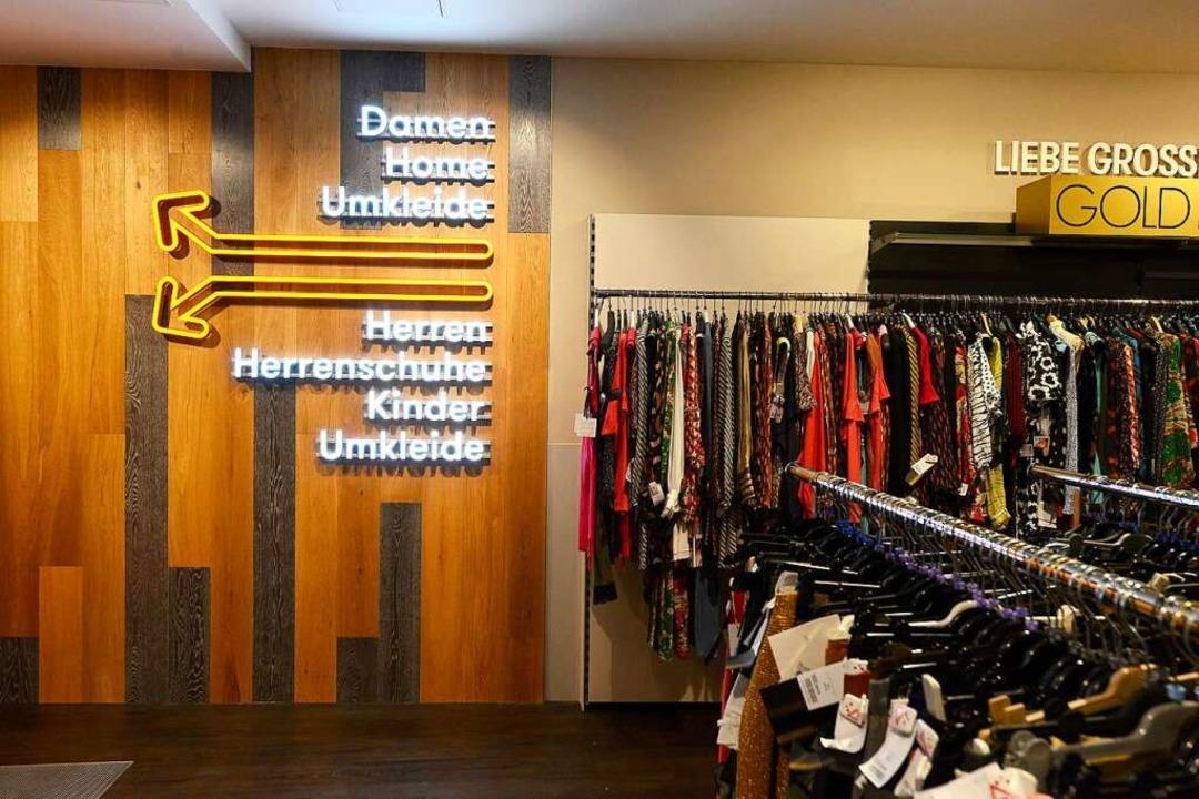 Das Geschäft bespielt drei Etagen in dem Haus.  | Foto: Ingo Schneider