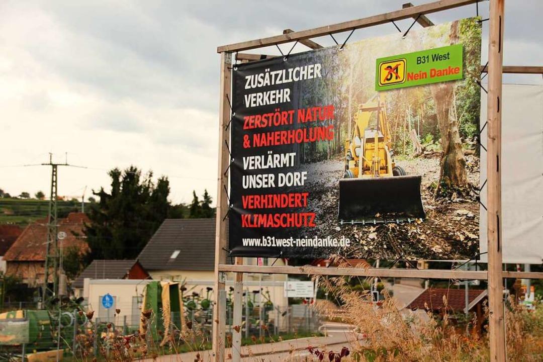 In den betroffenen Gemeinden – w... Protest über solche Plakate sichtbar.    Foto: Mario Schöneberg