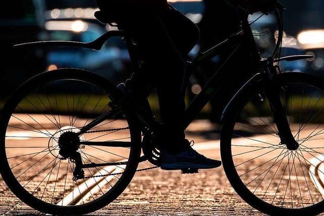 Vermummter Radfahrer feuert nach Streit Schreckschusswaffe ab