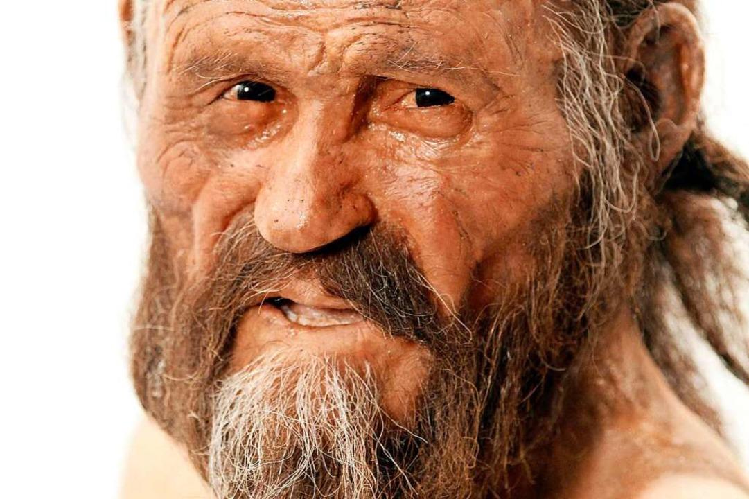 So hat er vielleicht ausgesehen: Ötzi-Figur im Bozener Archäologie-Museum  | Foto: ANDREA SOLERO