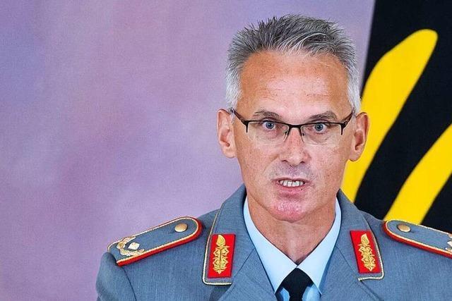 Steinmeier würdigt Kabul-Einsatz - Verdienstkreuz für General Arlt