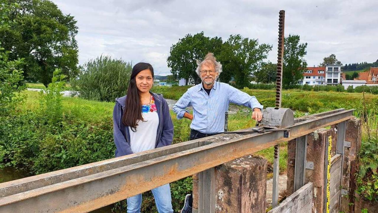 Agnes Wilke und Nikolaus Geiler vom Fr...kampagne  die Landwirten unterstützen.    Foto: Theresa Steudel