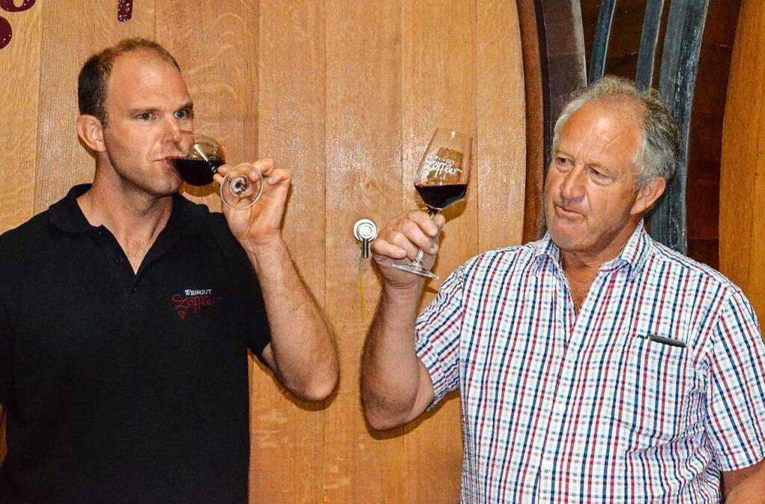 Andreas und Wolfgang Löffler im Weinkeller     Foto: Gabriele Hennicke